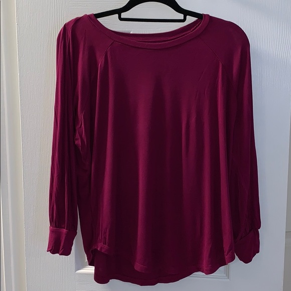 LOFT Tops - Loft cranberry tshirt. Only worn a couple times
